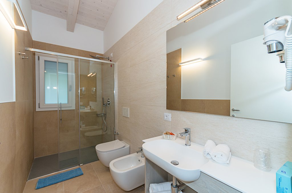 bathroom suite Natura